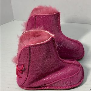 Really Cute Toddler Uggs sz.M